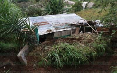 Resultado de imagen para muere madre e hija en La Perla por alud de lodo